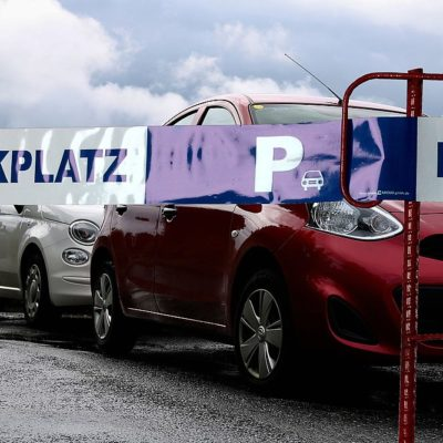 Absperrband Parkplatz
