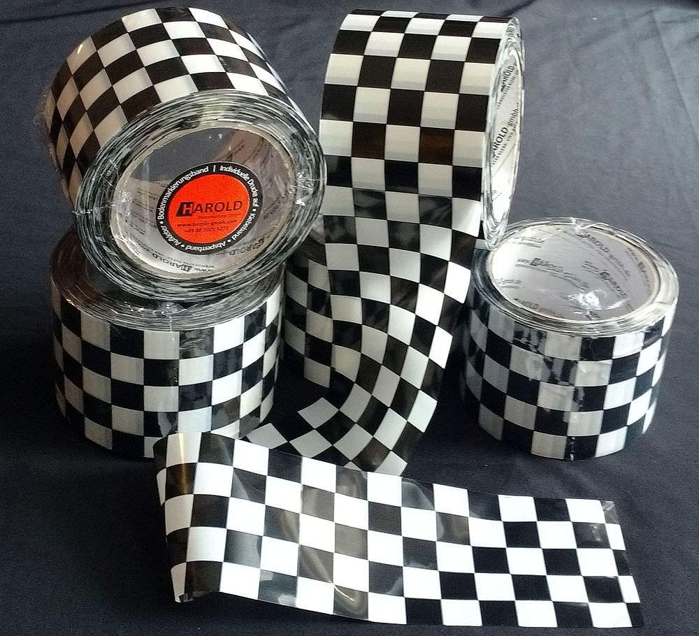 absperrband dekoband schwarz weiss kariert racing bzw rallye tape. Black Bedroom Furniture Sets. Home Design Ideas