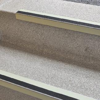 Antirutsch-Treppenkantenprofil WT-5409